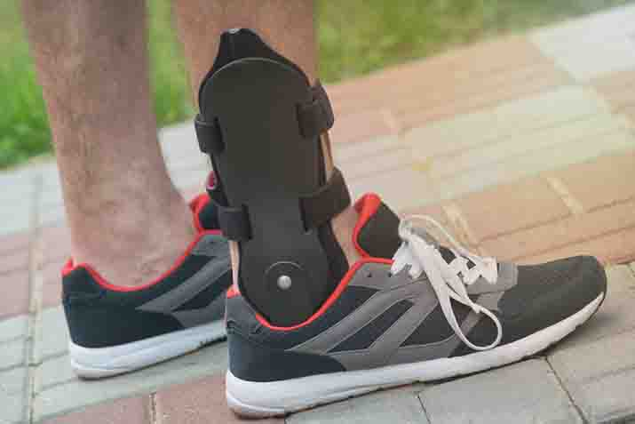 Steps to Wear an Ankle Brace with Shoes